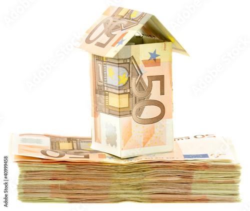 maison billets 50 euros sur liasse de billets photo libre de droits sur la banque d 39 images. Black Bedroom Furniture Sets. Home Design Ideas