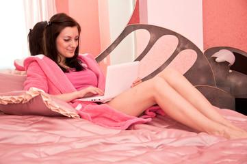 Фото девка спальне фото 601-571