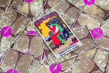 Queen of Pentacles, Tarot card, Major Arcana (2)
