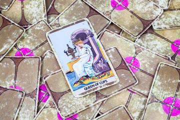 Queen of Cups, Tarot card, Major Arcana (2)