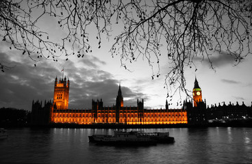Wall Murals Red, black, white Westminster at dusk
