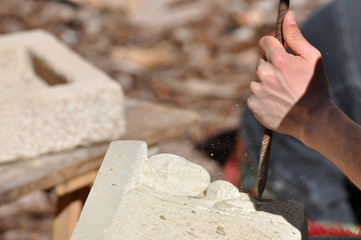 Escultor piedra