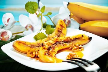 Grilled banana and walnut dessert