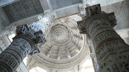 Templo de Adinath en Ranakpur, Rajasthan, India