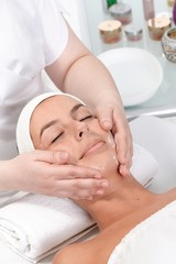 Facial massage in dayspa