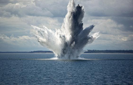 Explosion einer Seemine