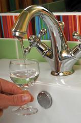 Un verre d'eau du robinet