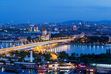 Fond de hotte en verre imprimé Vienne Wien, Panorama am Abend