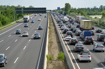 Autobahnstau 4-spurig