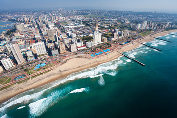 Fond de hotte en verre imprimé Afrique aerial view of durban, south africa