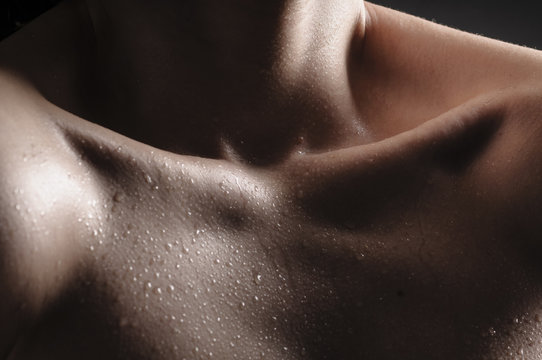 Female Bodyparts - Hals