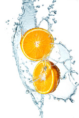 Poster Eclaboussures d eau Juicy Orange with water splash on white background
