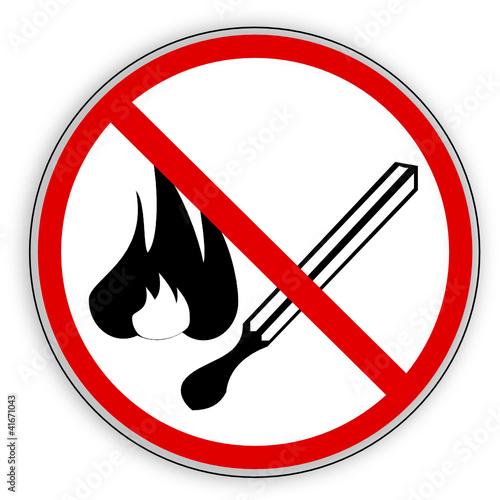 verbotsschild rauchen feuer offenes licht verboten stockfotos und lizenzfreie vektoren auf. Black Bedroom Furniture Sets. Home Design Ideas