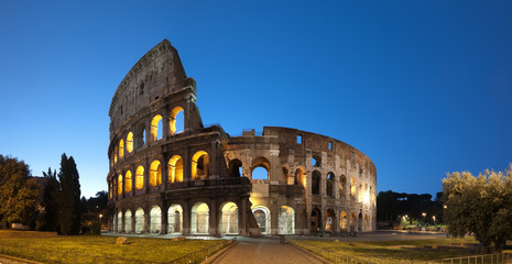 Wall Mural - Night image of Coliseum in Rome - Italy