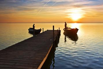 Fotorolgordijn Pier La vida en el lago
