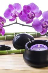 orchidea viola  con candele 2