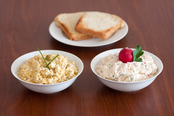 tuna spread and curd spread with kohlrabi and radish
