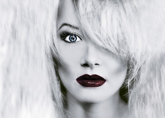 Foto op Canvas Rood, zwart, wit glamour woman face with red lips