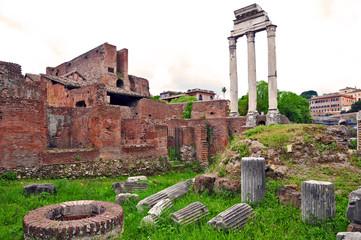 Roma, Fori Imperiali - casa delle vestali