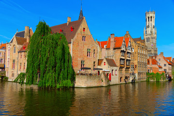 Foto auf Leinwand Brugge canal and houses at Bruges, Belgium
