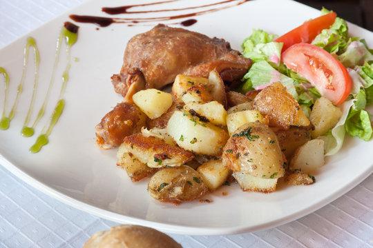 cuisse de canard, pomme de terre, salade