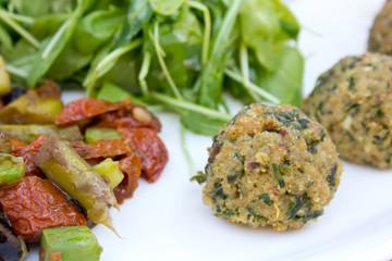 Boulettes - Accras et Légumes de saison
