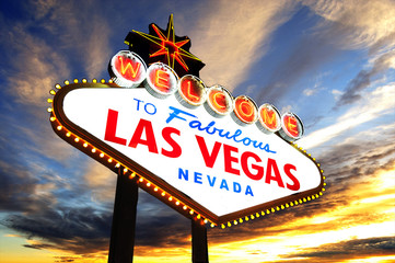 welcome to Fabulous Las Vegas Sign at sunset