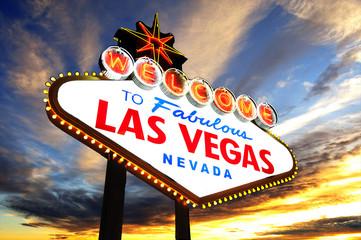 Foto op Canvas Las Vegas welcome to Fabulous Las Vegas Sign at sunset