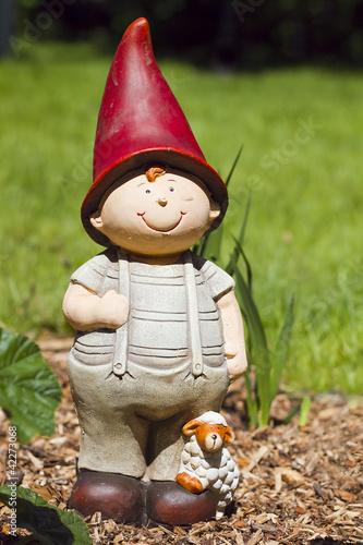 Figurine jardin nains berger garden grome statue photo libre de droits sur la banque d 39 images for Jardin 00 garden