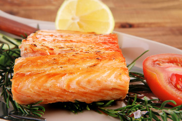 roast salmon fish with tomatoes