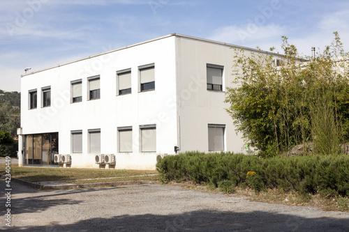 b timent industriel photo libre de droits sur la banque d 39 images image 42340449. Black Bedroom Furniture Sets. Home Design Ideas