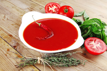 tomato vegetable soup with basil and thyme