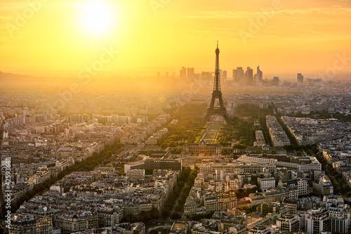 Flying Over La Dйfense on Bastille Day, Paris, France без смс