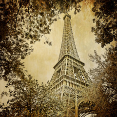 Wall Mural - Eiffel tower and trees monochrome vintage