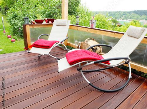 relaxliegen stockfotos und lizenzfreie bilder auf bild 42682660. Black Bedroom Furniture Sets. Home Design Ideas