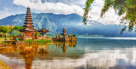Recess Fitting Temple Pura Ulun Danu