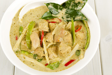 Kaeng Khiao Wan Kai - Thai Green Chicken Curry