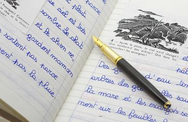 Quaderno scritto e aperto