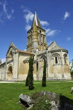 église romane de Aulnay de saintonge. charente maritime
