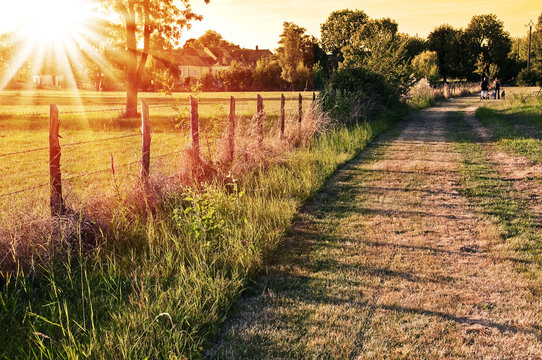 Coucher de soleil à la campagne - Vaas, Sarthe - France