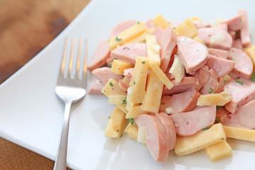 Cervelat-Käse-Salat