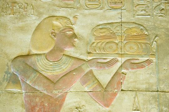 Pharaoh Seti religious offering