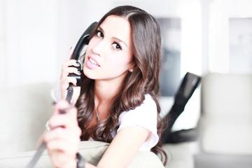 schöne Frau am Telefon