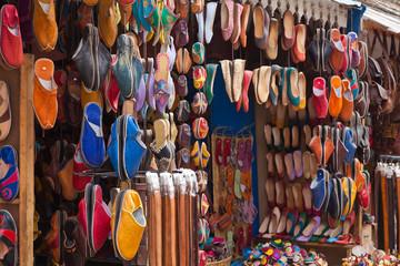 Schuhe auf dem Souk
