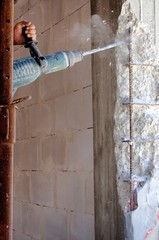 Intervento su pilastro in cemento armato da rinforzare