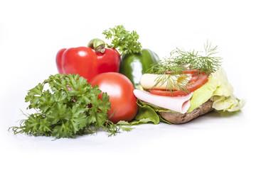 Kanapka z szynką, serem i warzywami
