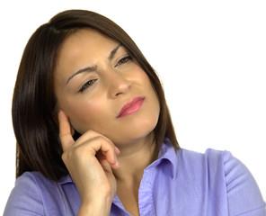 M11 7 Frau denkt nach