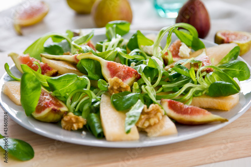Fig,Melon and walnut salad