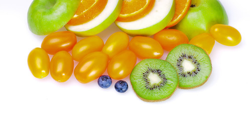 Green sliced fruits