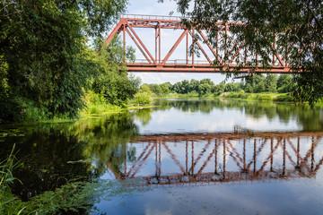 Мост над рекой